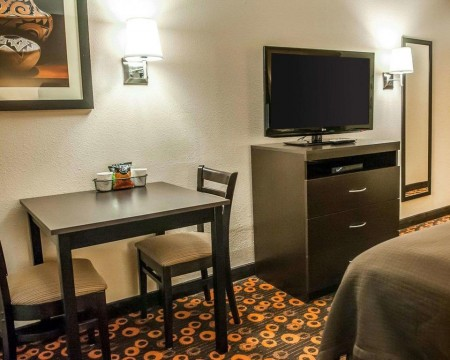 Welcome To Econo Lodge Inn & Suites New Mexico - In-Room Conveniences